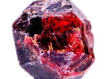 Grenat, la pierre du chakra racine qui donne de l'énergie